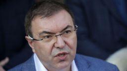 """Ангелов: Може да изтеглим ваксината на """"АстраЗенека"""", решаваме за хората с първа доза"""