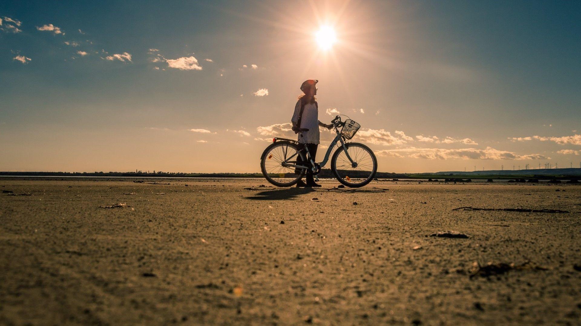 С колело по езерото Ларнака