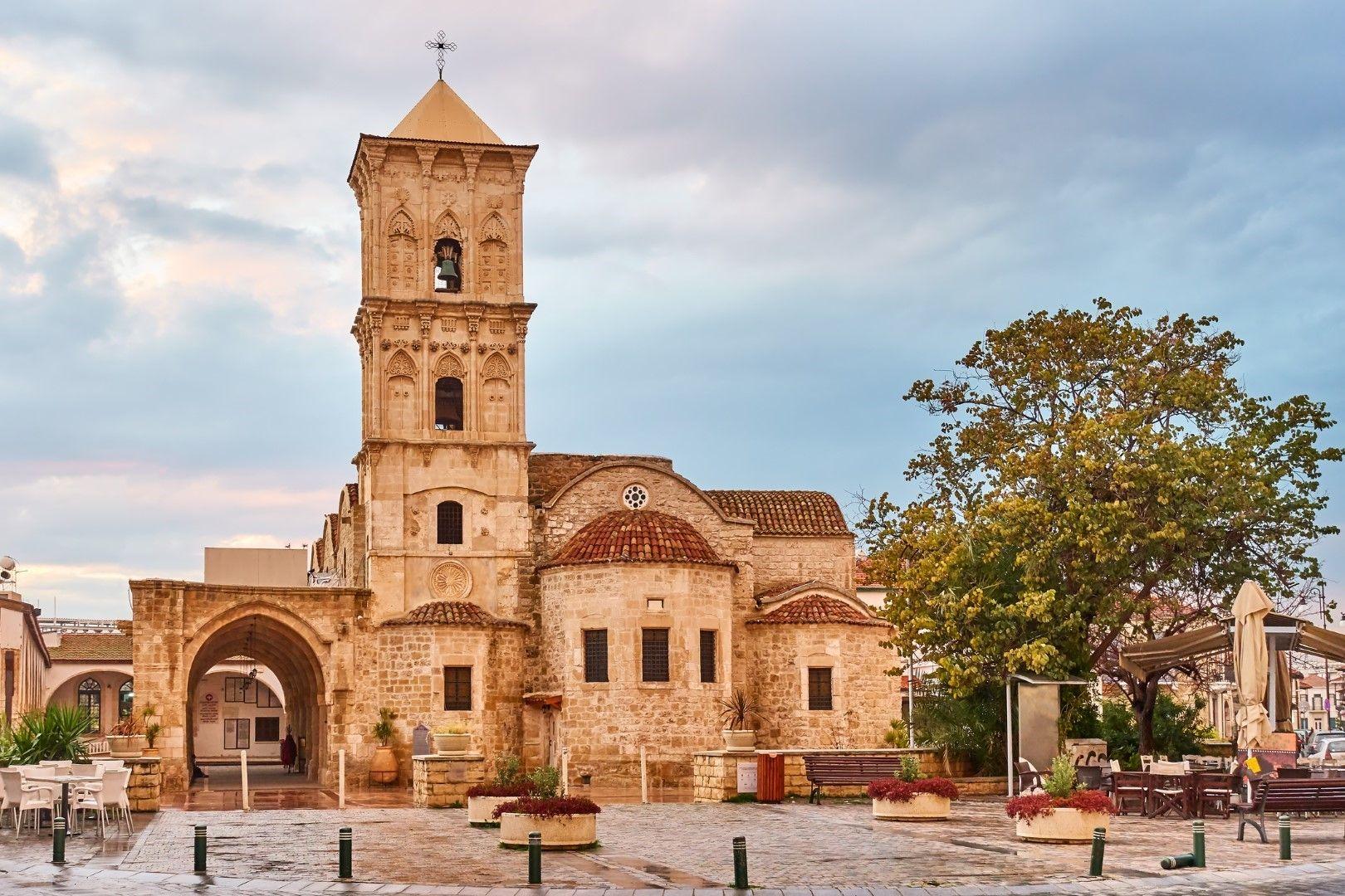 Църквата Агиоз Лазарос