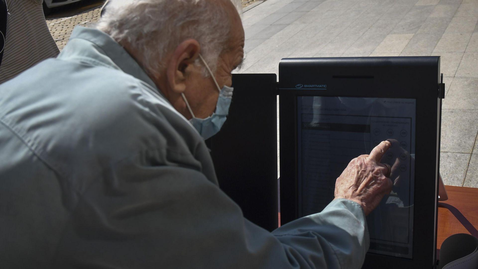 Изборният ден ще продължи 20 часа, ако няма достатъчно машини