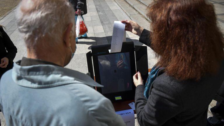 Представител на фирма за доставка на машини за гласуване заяви