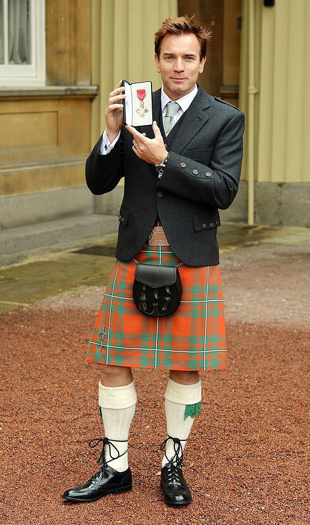 Юън Макгрегър получава Ордена на британската империя