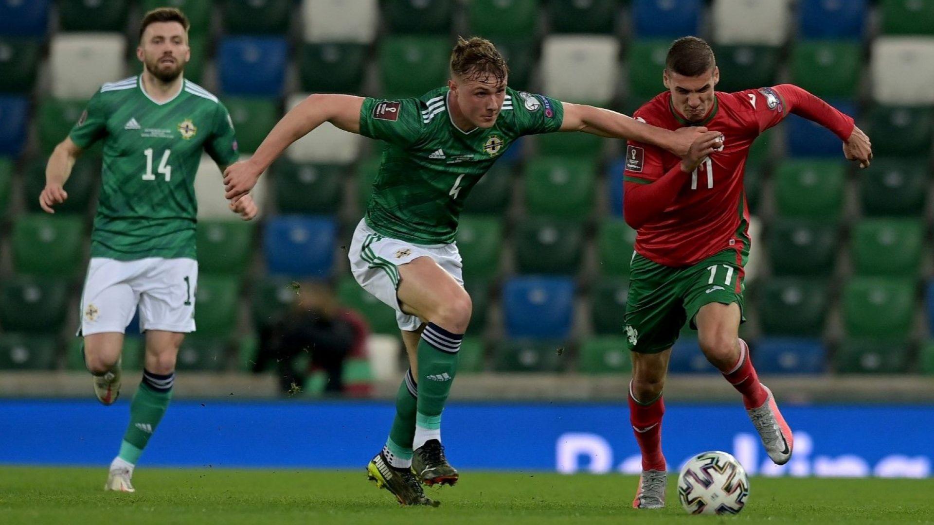 Много изменен български отбор взе първа точка с мъчно 0:0 в Белфаст