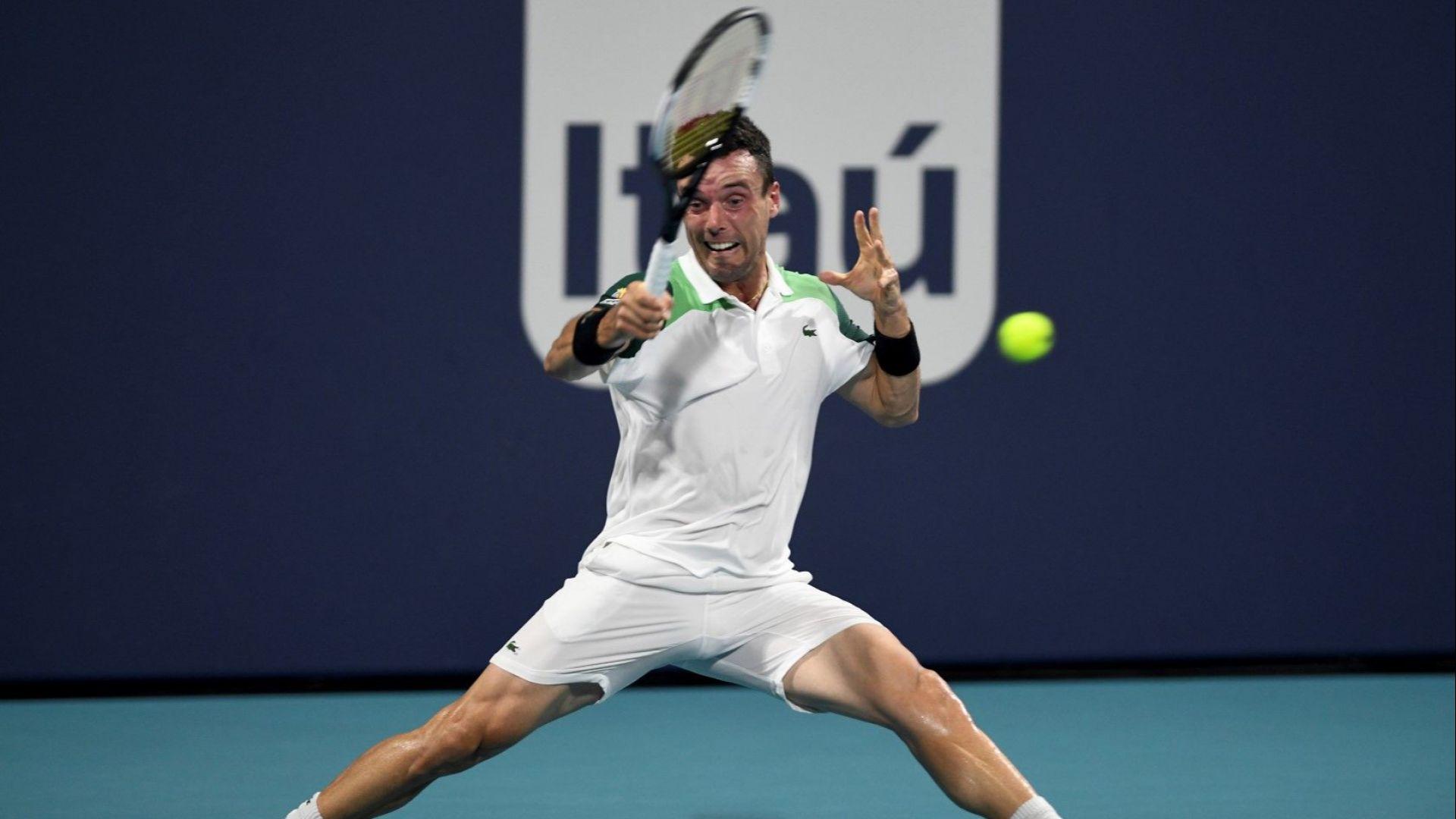 Испанец подчини Медведев в Маями и чака шампиона от София на полуфинал