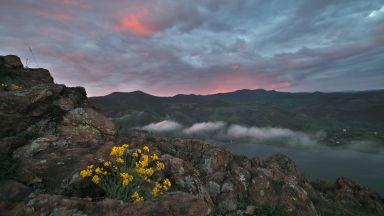Изгрев от една от най-красивите крепости в Родопите (снимки)