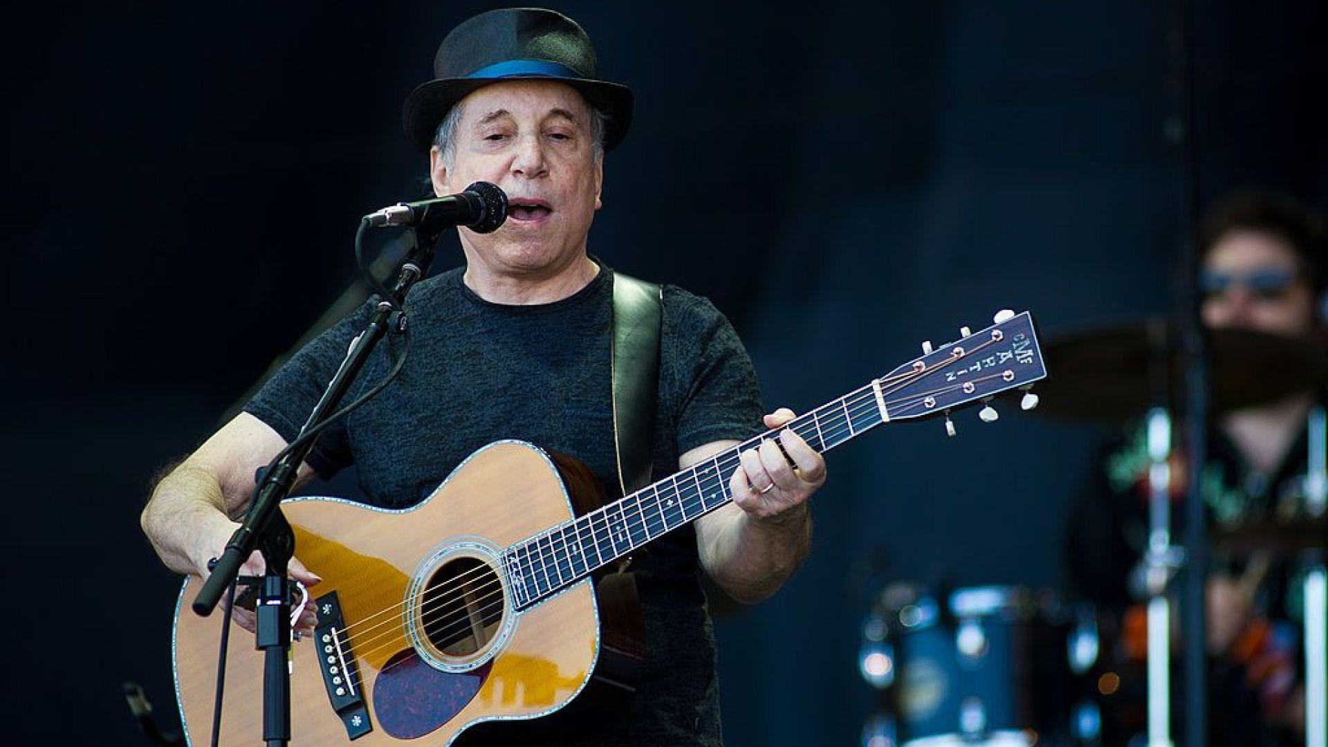 След Боб Дилън, Шакира и Нийл Йънг - Пол Саймън продаде каталога си