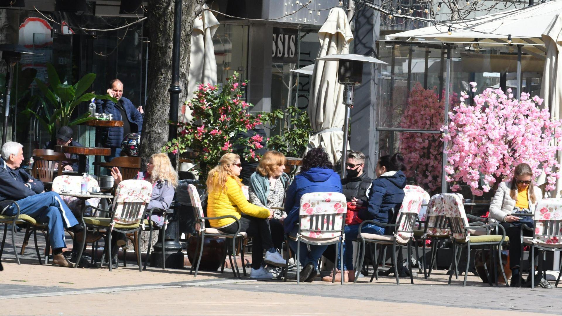 Тротоарното право в София може да падне наполовина