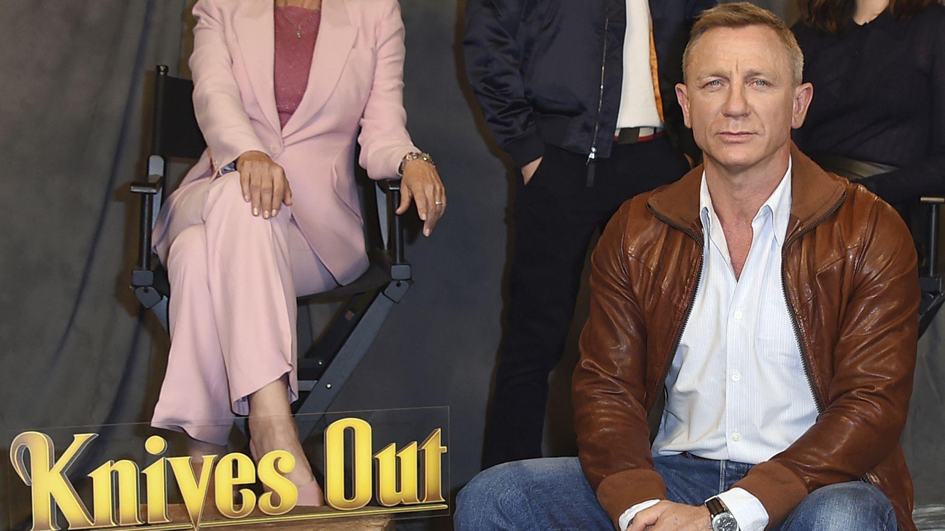 """Две продължения на """"Вади ножовете"""" с Даниел Крейг ще се излъчват по Netflix"""