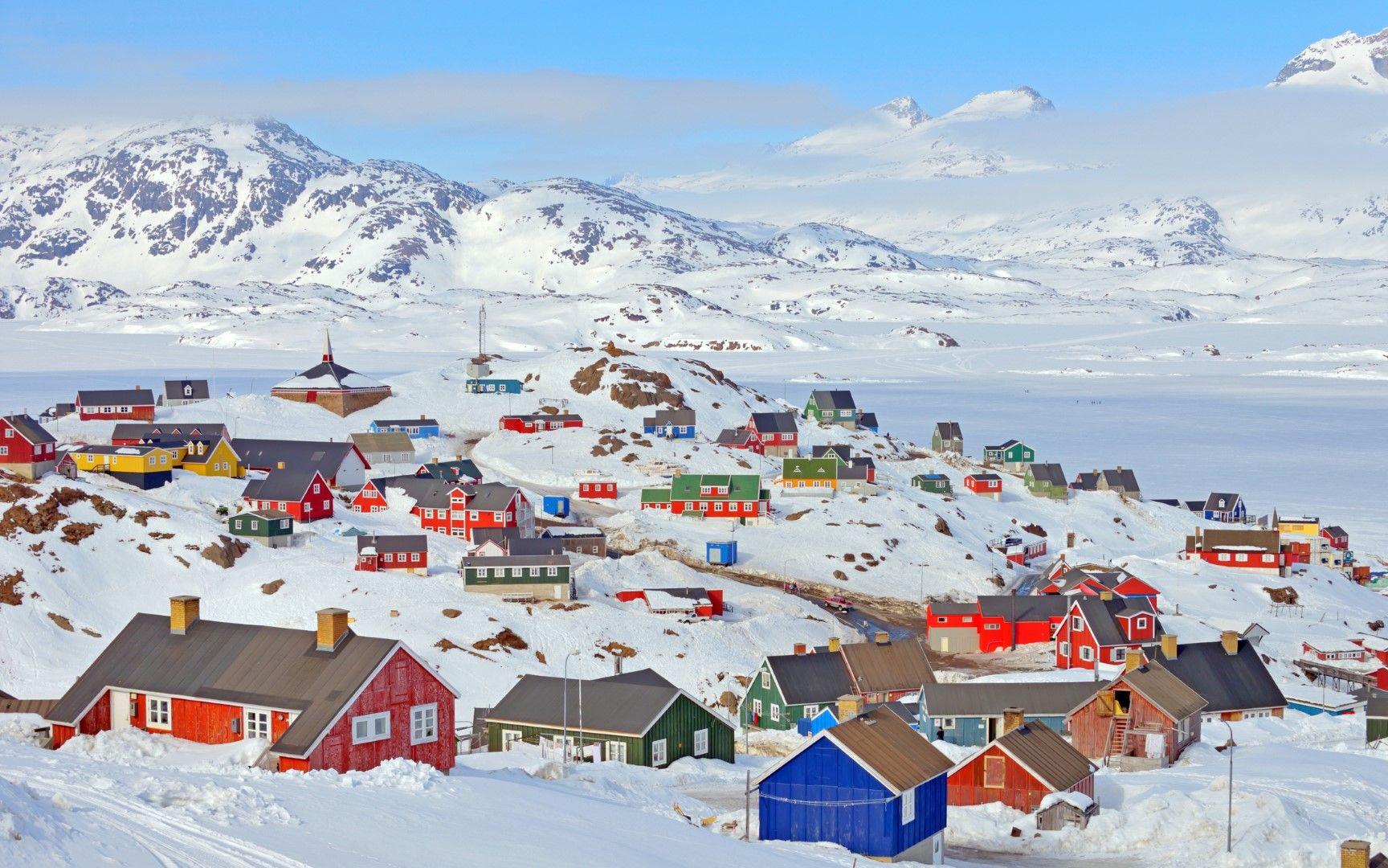 Колоритен пейзаж от Гренландия: минната индустрия има сериозни противници в страната