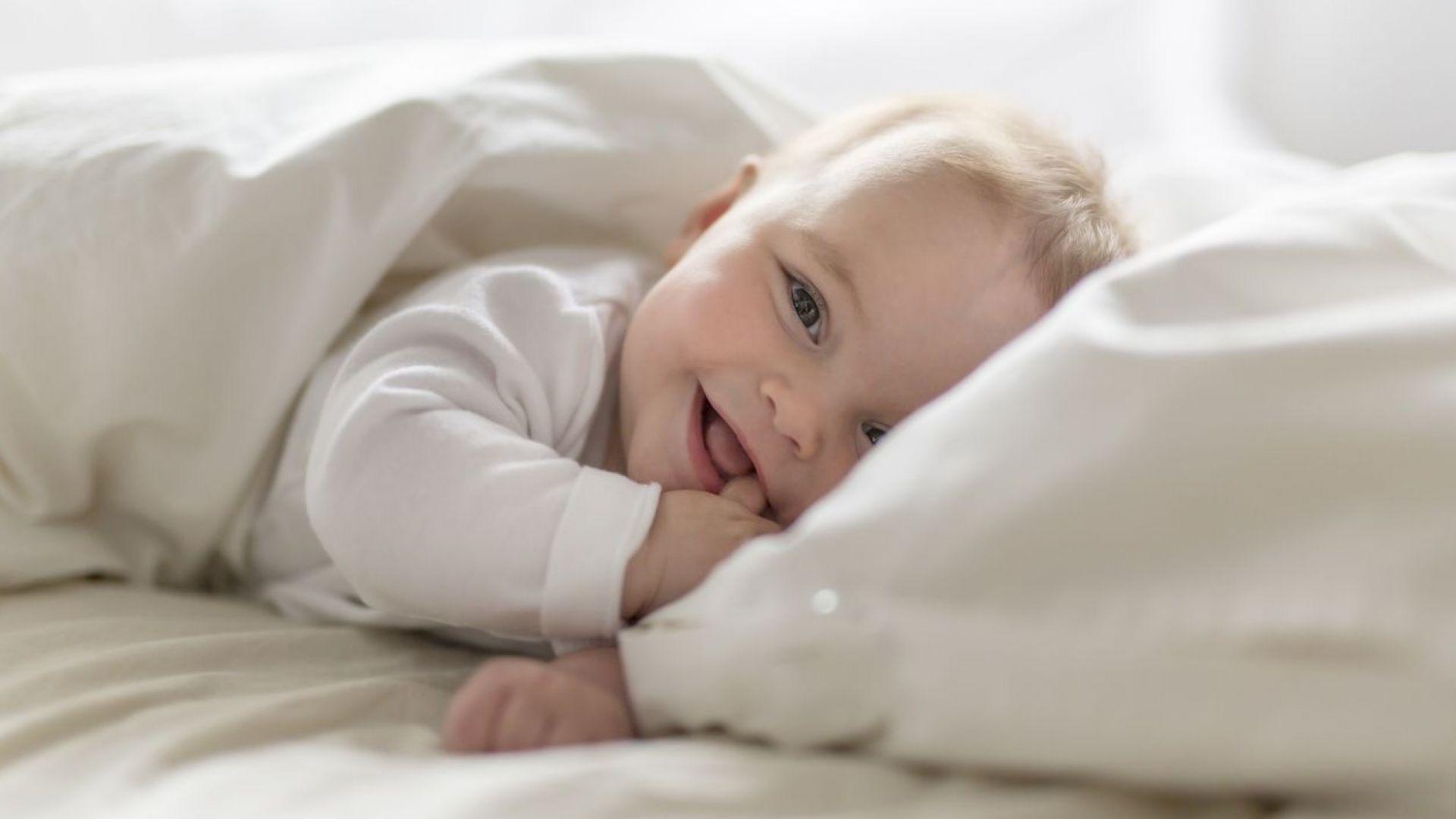 Бебетата, родени със секцио, имат недоразвит чревен микробиом