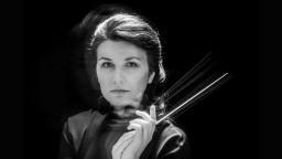 Маестра Адрия Чепайте: Музиката е свързана с издигане на душата. Това е най-голямата отговорност на диригента