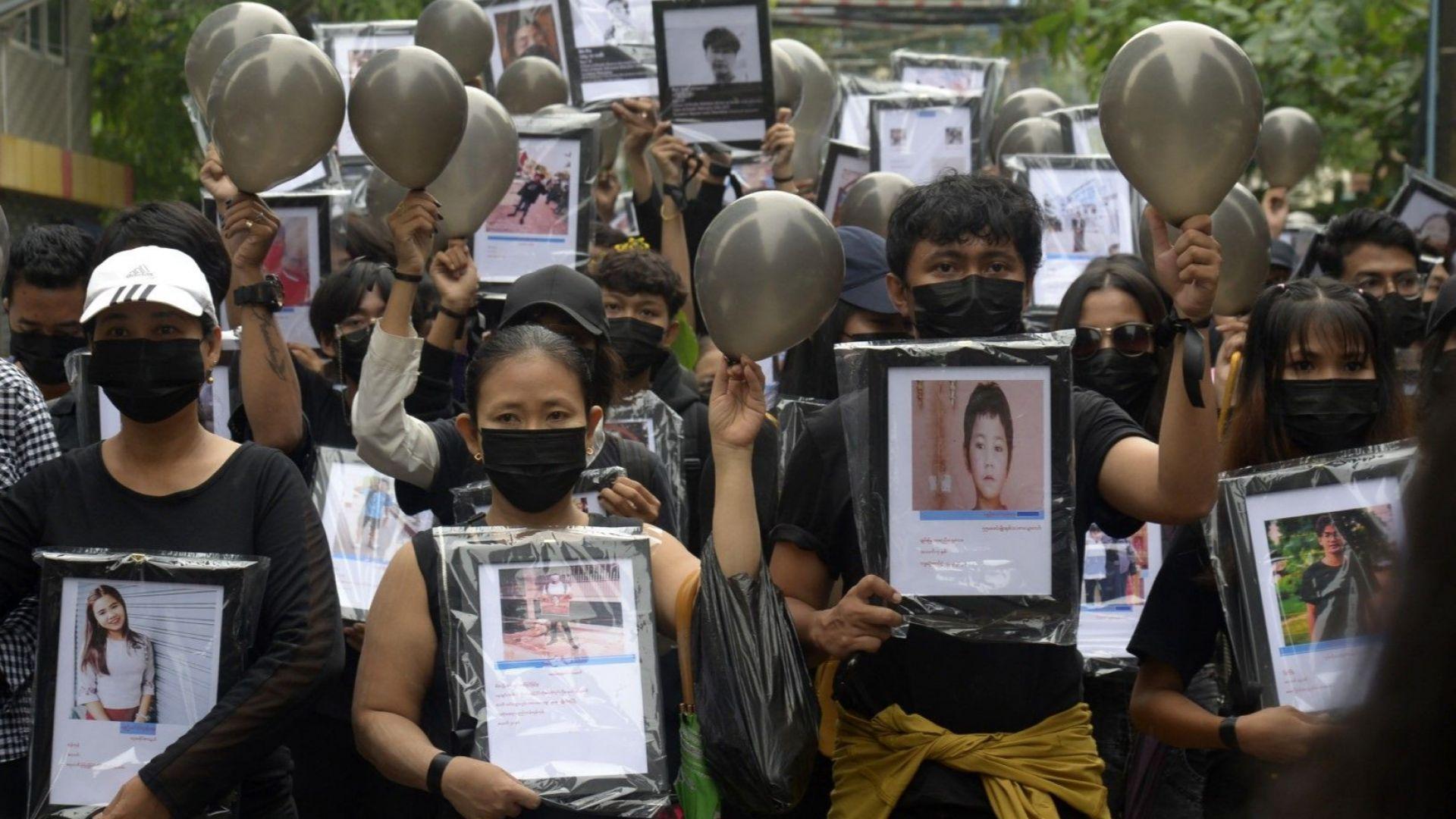 Южнокорейски стоманодобивен гигант иска да се отърве от съдружие с военните в Мианма