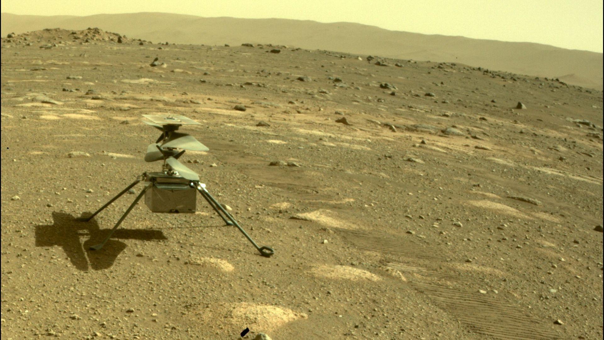 Марсианският хеликоптер оцеля при първата си самостоятелна нощ