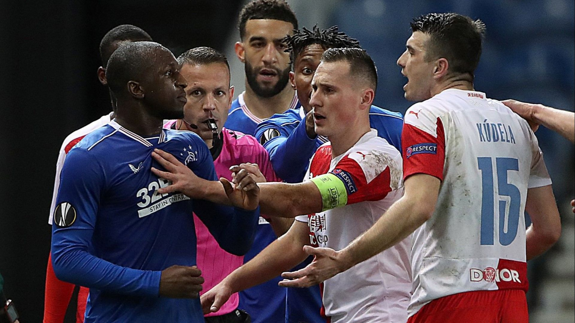 Чешкият Славия скри набедения в расизъм свой играч от мач в Лондон