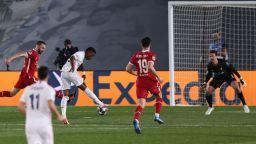 Реал (Мадрид) надви Ливърпул с познат резултат при първата им среща от Киев насам