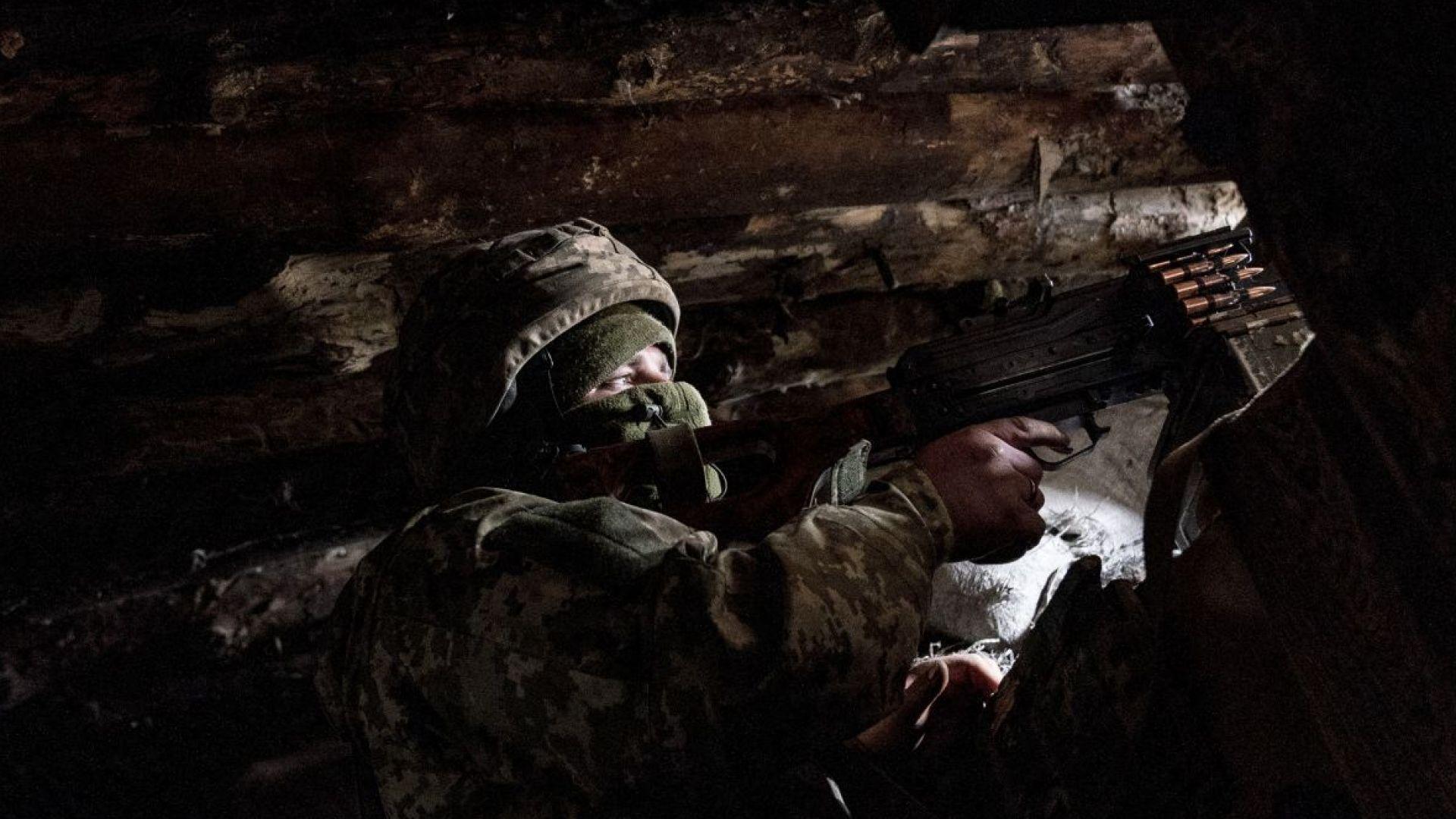 Двама украински войници са убити, външният министър се среща с шефа на НАТО