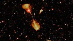 """Радиотелескоп откри хиляди галактики - """"люпилни"""" на звезди"""