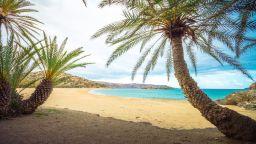 Най-красивите плажове на остров Крит - от розов пясък до палмова горичка