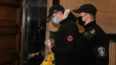 Братът и майката на Кристиан Николов пред съда: Успокояваше се с чай, не е взимал дрога