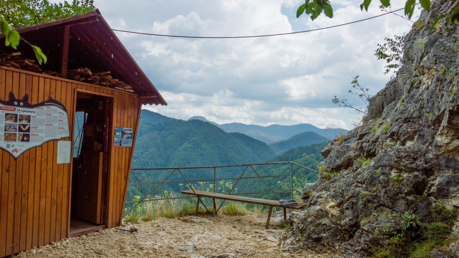Пещера Ухловица - край входа