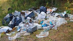 Строителните отпадъци тайно се изхвърлят в реки, дерета, гори: Никой не знае колко са