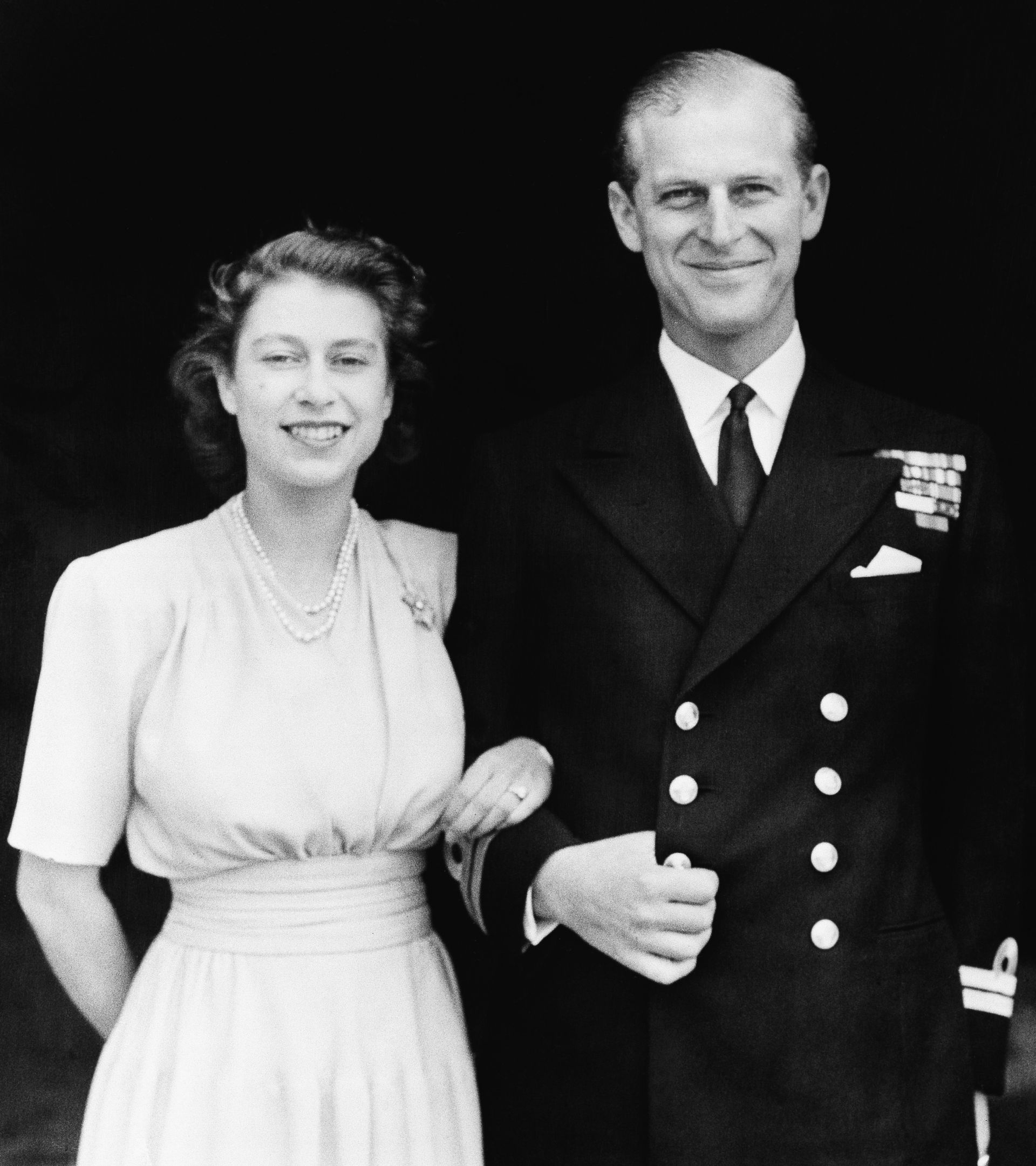 Елизабет Втора и Филип обявяват годежа си на 10 юли 1947 г.