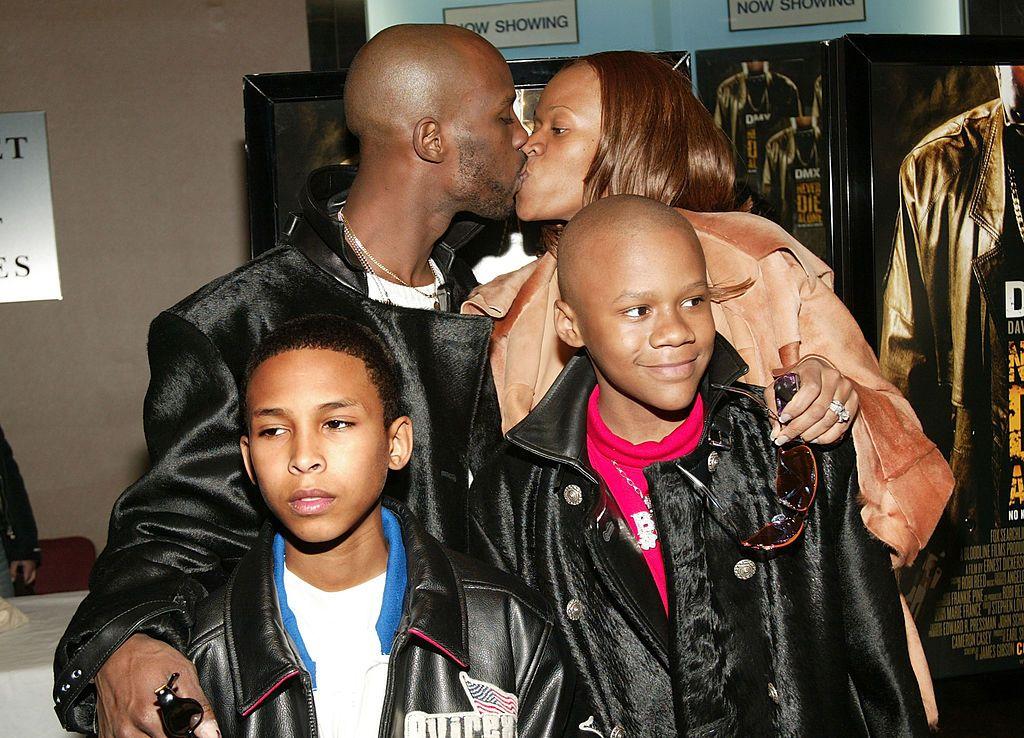 DMX с бившата си сърпуга Ташира Симънс, едно от децата си и кръщелника си