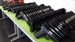 "186 пистолета и над 7400 патрона задържаха ГКПП ""Капитан Андреево"" (снимки)"
