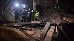 Шестима загинали при силно земетресение в Индонезия (видео)