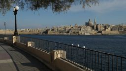 Малта с конкурентен ход: ще дава по 200 евро на туристите