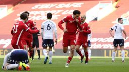 """След 115 дни чакане Ливърпул най-сетне спечели на """"Анфийлд"""" - с гол в последната минута"""