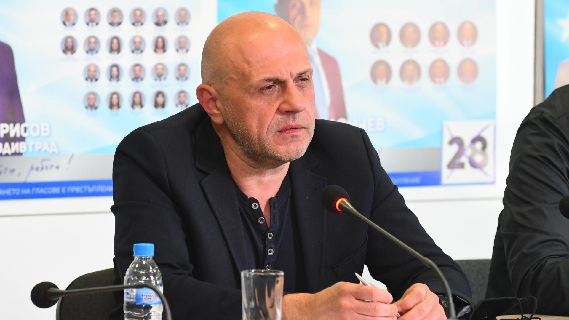 Дончев: Длъжни сме да предложим правителство, политиката не е песни и танци
