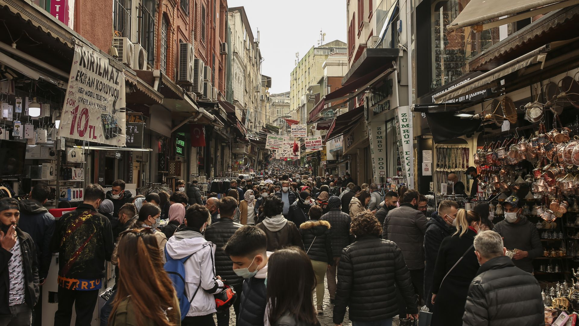 Пазаруване като за последно преди Рамазан в Турция