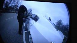 Полицайката, убила чернокожия в Минеаполис, объркала пистолета с тейзъра си (видео)