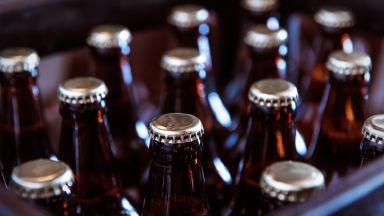 """Конфискуваха повече от 2000 литра бира на ГКПП """"Дунав мост"""" при Русе"""