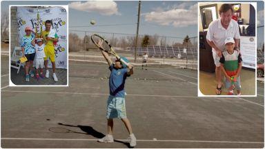 Светът говори за Тео - български феномен, който играе тенис и с двете ръце