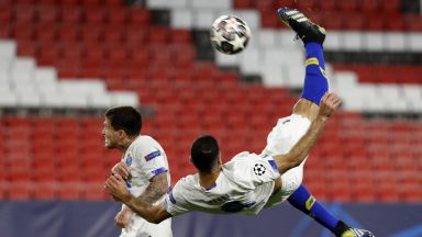 Голът на сезона не стигна на Порто, Челси е на полуфинал