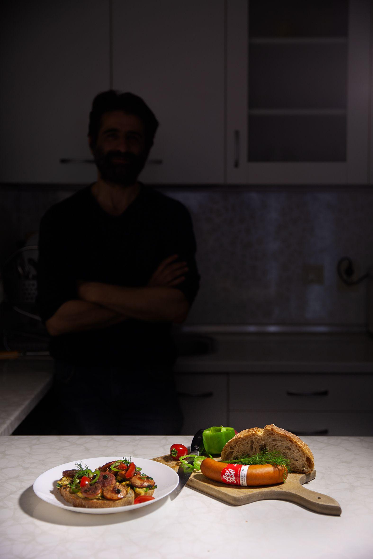 Коя звезда сготви този засукан сандвич?