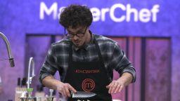 """След серия недопустими кулинарни гафове: Двойникът на Явор Бахаров - аут от """"Мастършеф"""""""