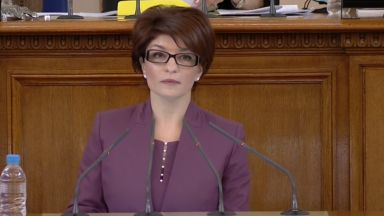 Десислава Атанасова: Не носим отговорност при избори лятото, за си вдигат резултата някои