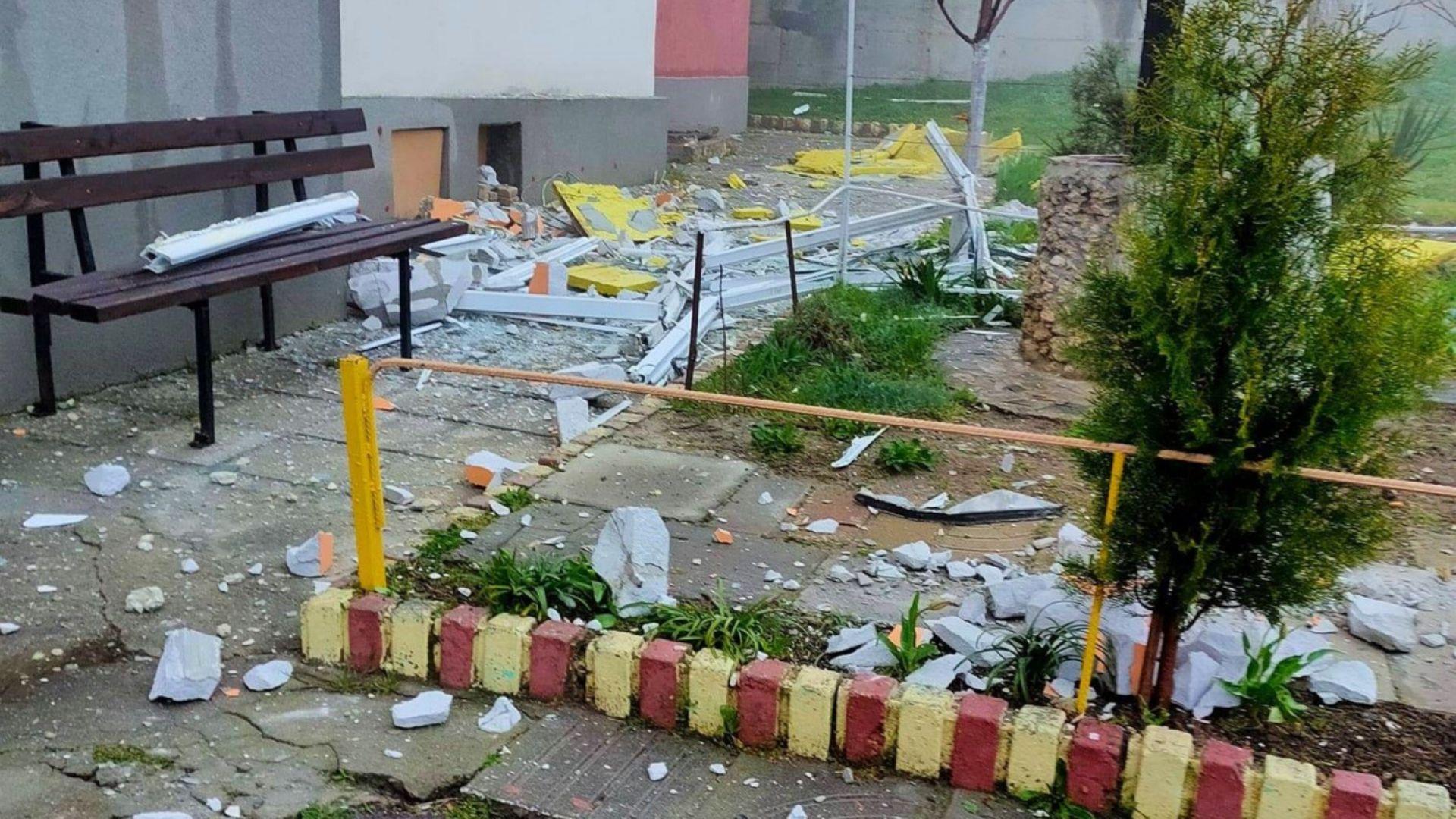 Срутена стена на тераса едва не уби жена във Варна