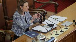 След грандиозен скандал: Председателят на НС прекрати заседанието на парламента (видео)