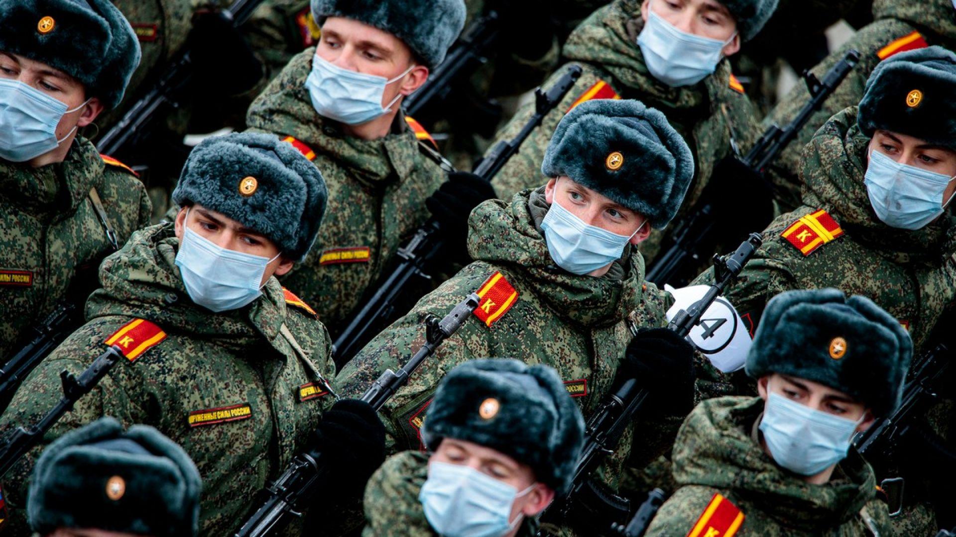 Русия разполага десетки нови военни формирования на Запад