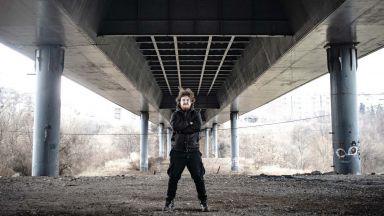 Чудовища завладяват София по време на пандемията в дебютния роман на Тео Чепилов  (откъс)