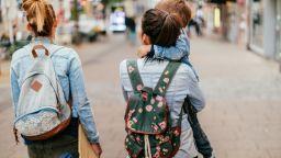 Българчето с две майки има право на паспорт, но може да не ги впишат в акта за раждане