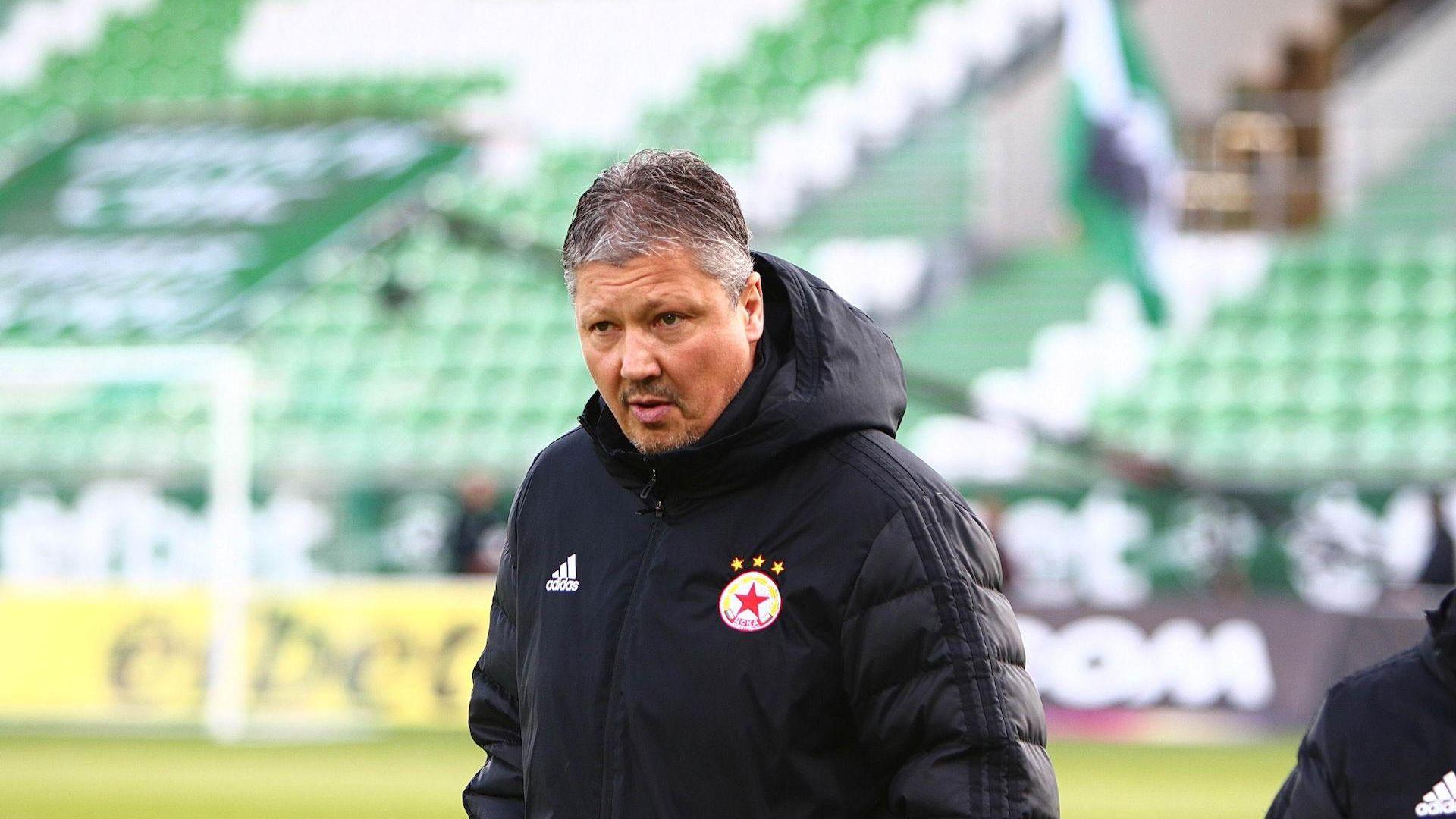 Наказаха Любо Пенев за два мача след изгонването в Разград