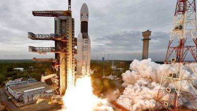 Франция се включва в индийската космическа програма за пилотирани полети