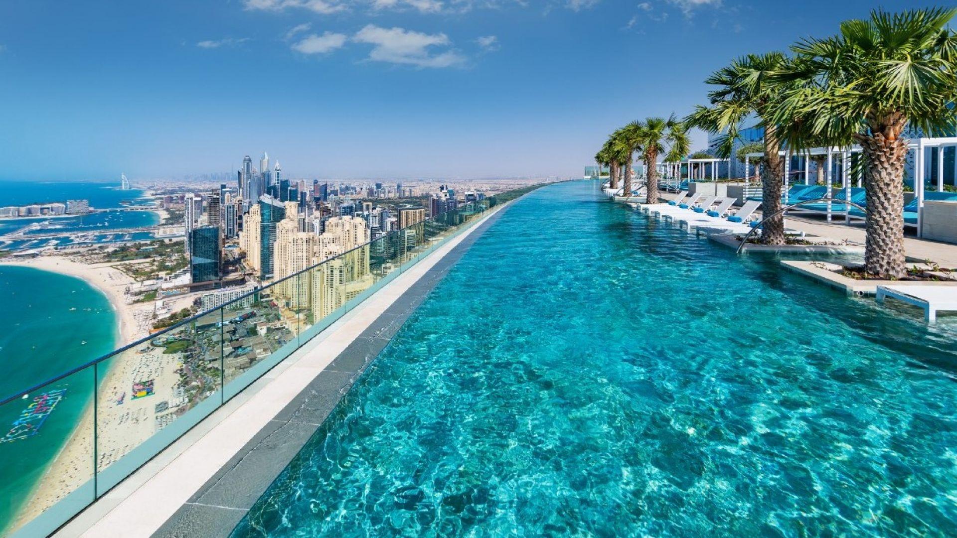 Рекорд на Гинес: Най-високо разположеният инфинити басейн вече е в Дубай