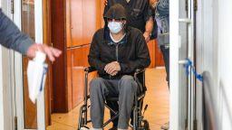 Снимки на Брад Пит в инвалидна количка изплашиха феновете му
