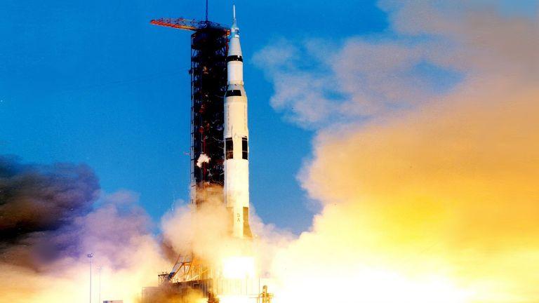 """Излитането на """"Аполо 13"""""""